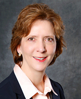 Julie Hennessy, Kellogg School of Management