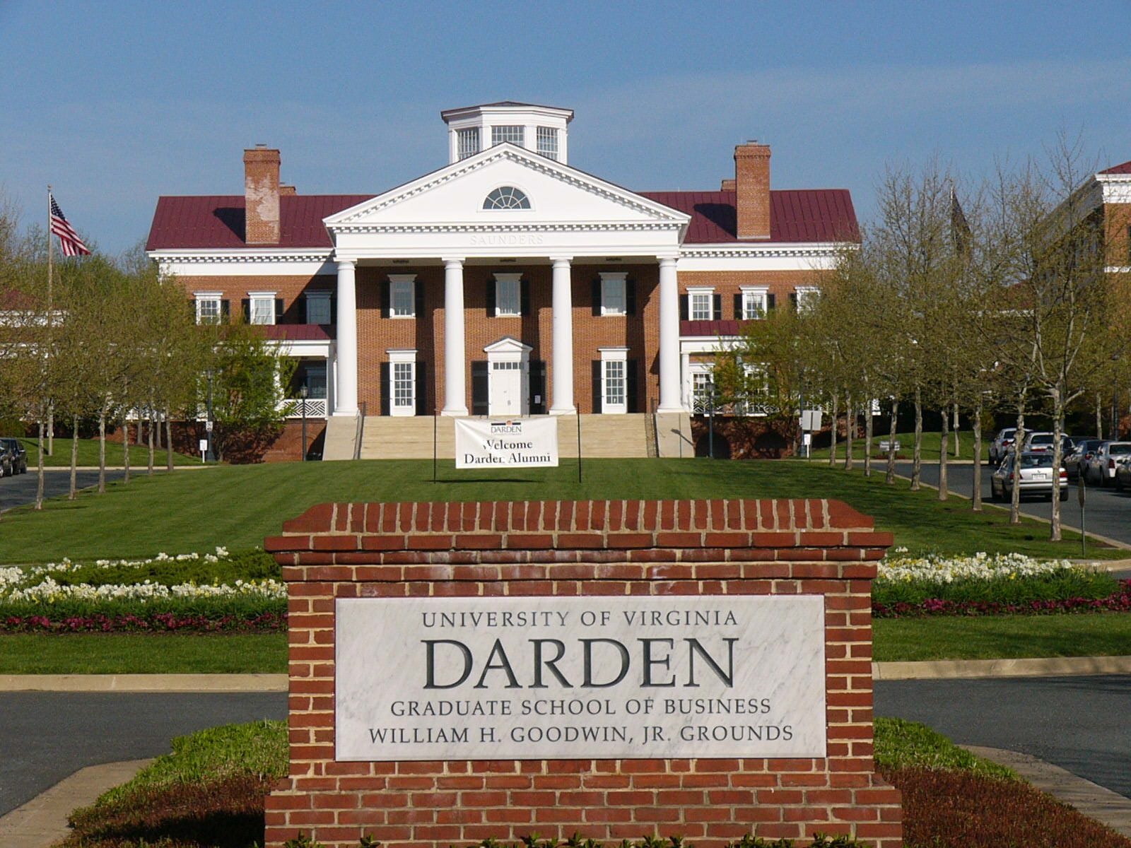 MBA News: Darden School of Business Ranks First in Graduate Satisfaction Survey - mbaMission